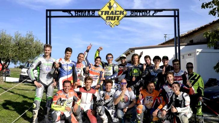 There 39 s big dirt racing fun at valentino rossi 39 s motor for Foto di case di ranch