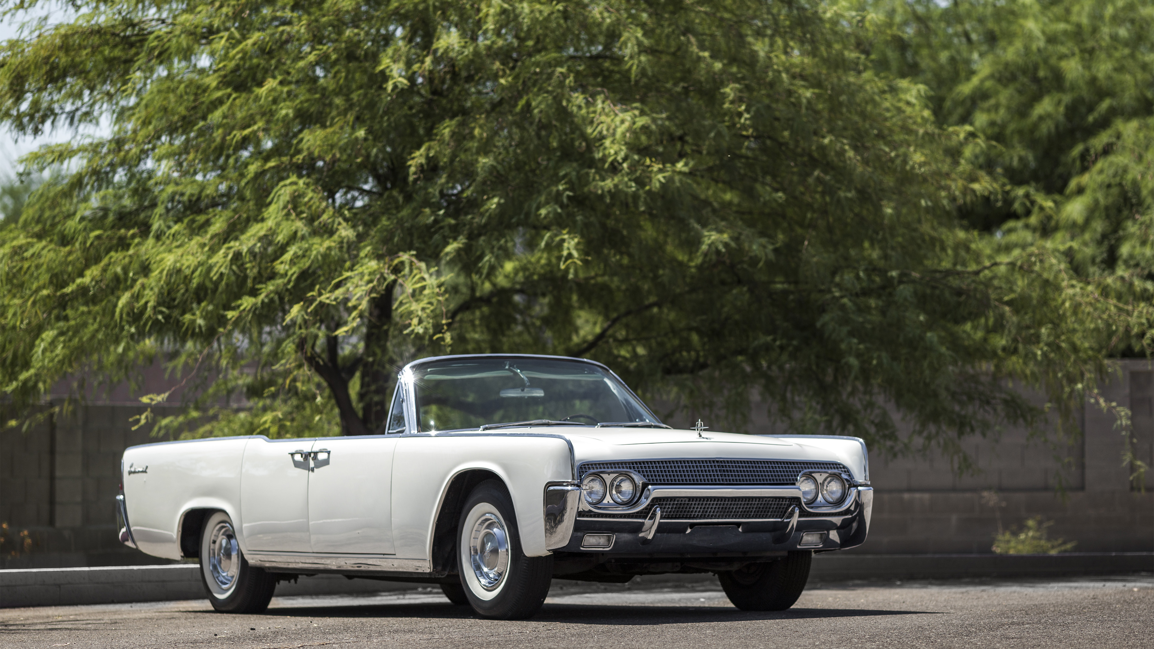 this 1961 lincoln continental was loaned to jacqueline kennedy for personal use autoevolution. Black Bedroom Furniture Sets. Home Design Ideas
