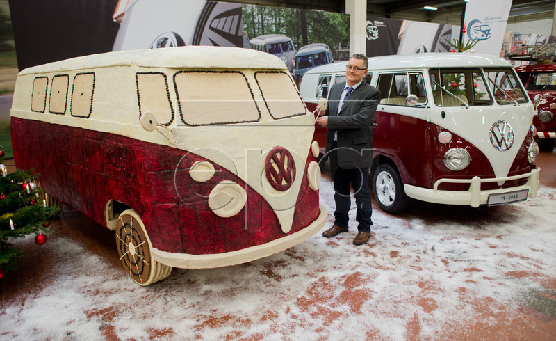 This 450-kg VW T1 Made of Gingerbread Could Be the First Non-Hippie Bus - autoevolution