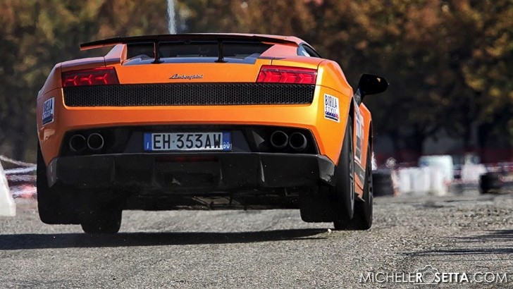 This Is How You Jump in a Lamborghini