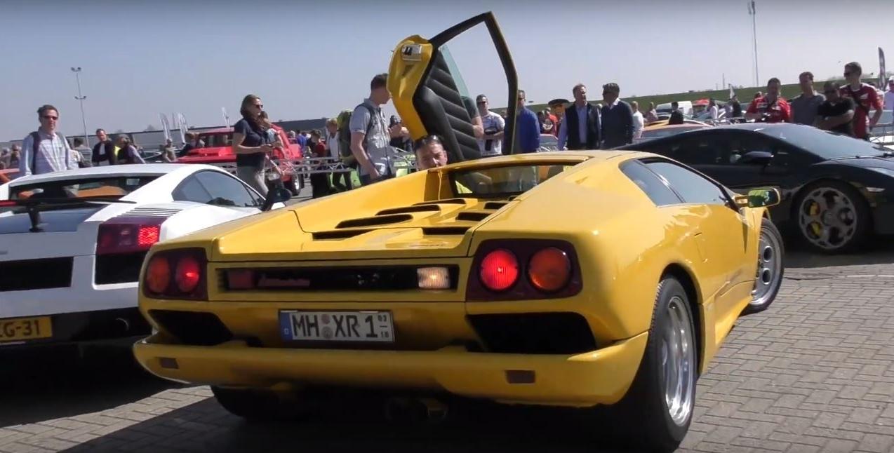 This Is How You Reverse A Lamborghini Diablo Autoevolution