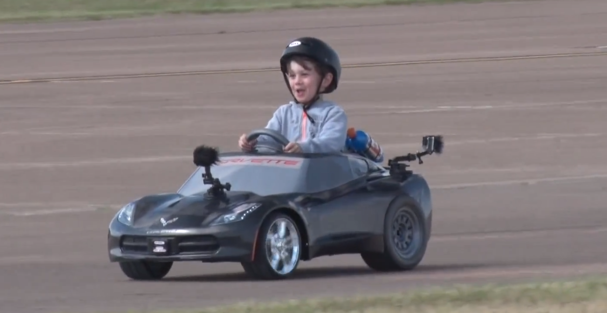 this kid s power wheels c7 corvette stingray can do donuts autoevolution. Cars Review. Best American Auto & Cars Review