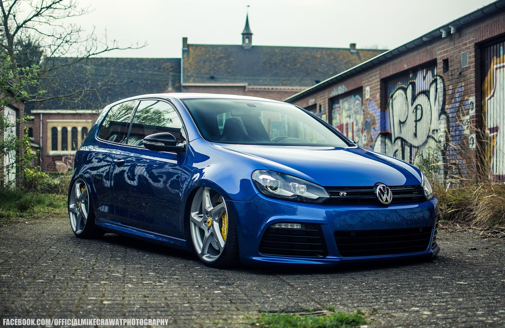 this volkswagen golf gti sits on ferrari 458 wheels has 372 hp autoevolution. Black Bedroom Furniture Sets. Home Design Ideas