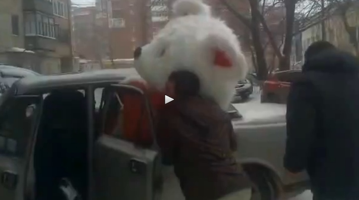 Big Bear Taxi >> Three Men Try to Fit Giant Teddy Bear into Volga in Russia - autoevolution