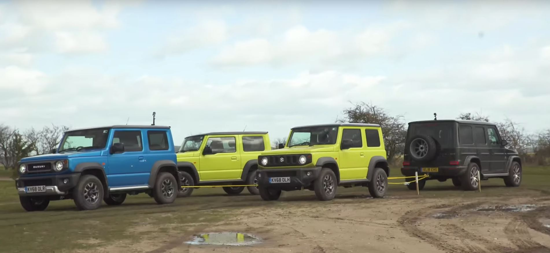 three suzuki jimnys gang up on mercedes amg g63 in tug of war autoevolution. Black Bedroom Furniture Sets. Home Design Ideas