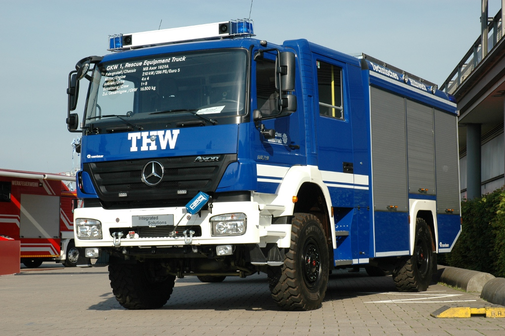 Thw to use mercedes benz emergency vehicles autoevolution for Mercedes benz emergency