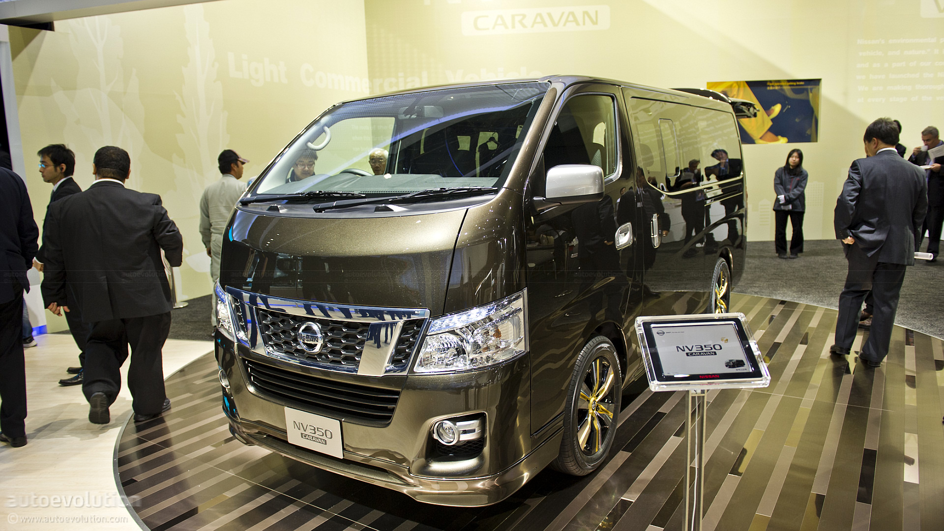 nissan 15 passenger van by tokyo 2011 nissan nv350 caravan live photos autoevolution