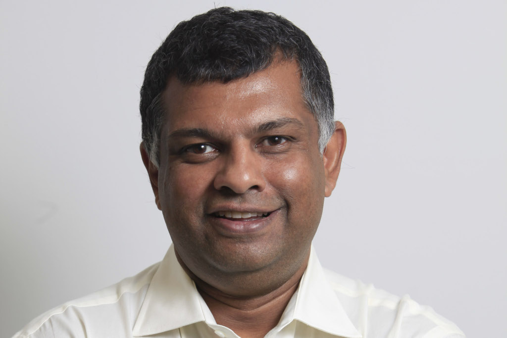 Tony Fernandes Accepts Bransons Stewardess Challenge - autoevolution