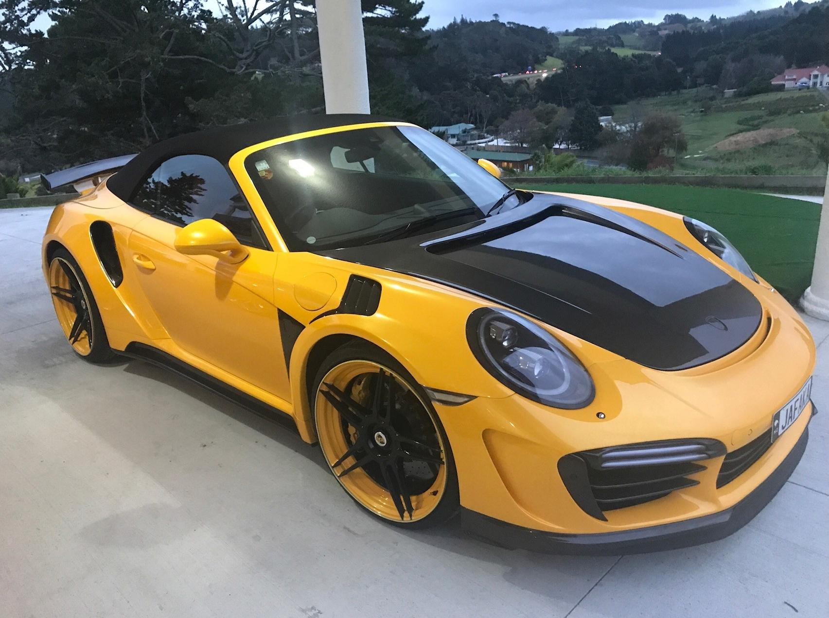 topcar carbon 2017 porsche 911 turbo s cabriolet is the german bumblebee autoevolution. Black Bedroom Furniture Sets. Home Design Ideas