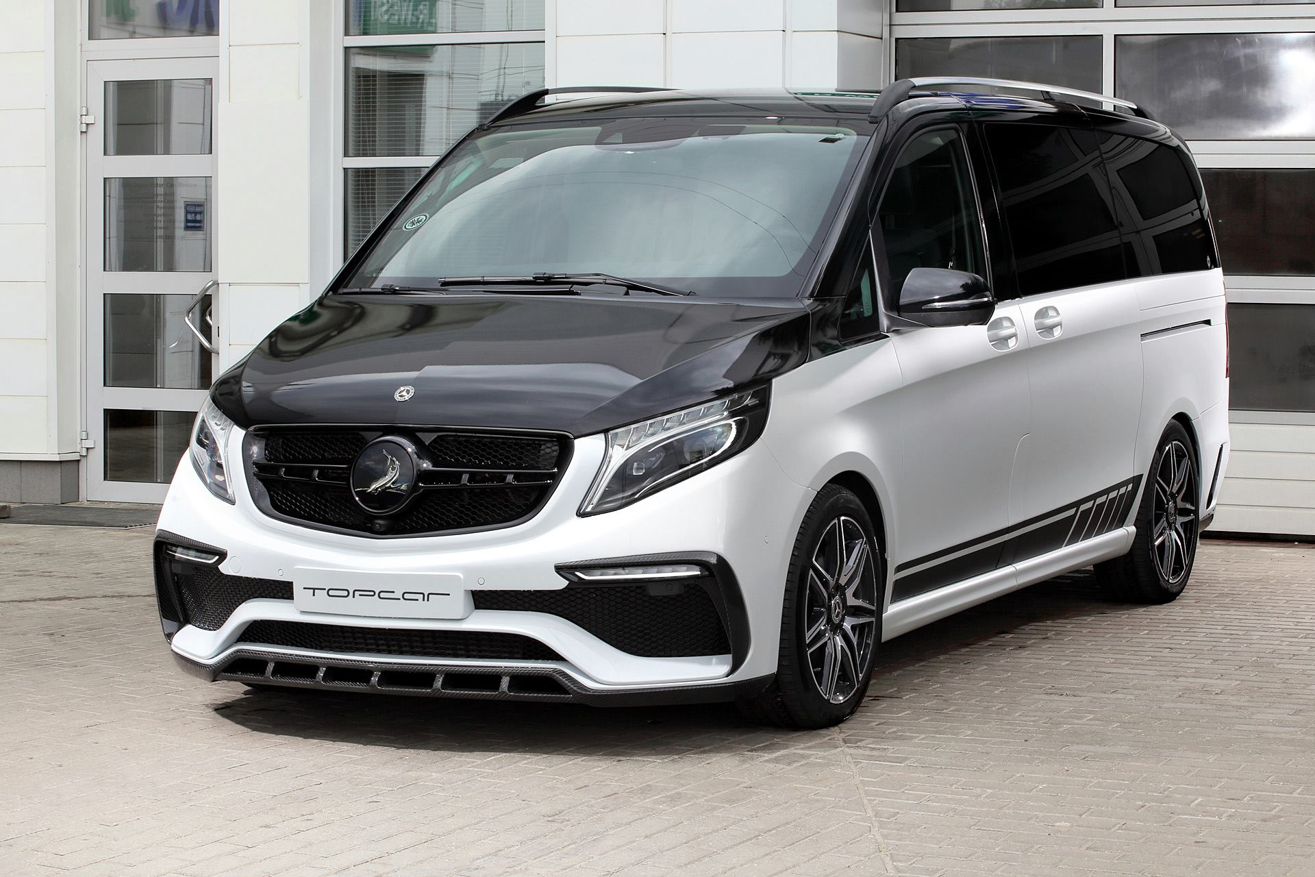 topcar mercedes v class is a carbon clad inferno van with quad exhaust autoevolution. Black Bedroom Furniture Sets. Home Design Ideas