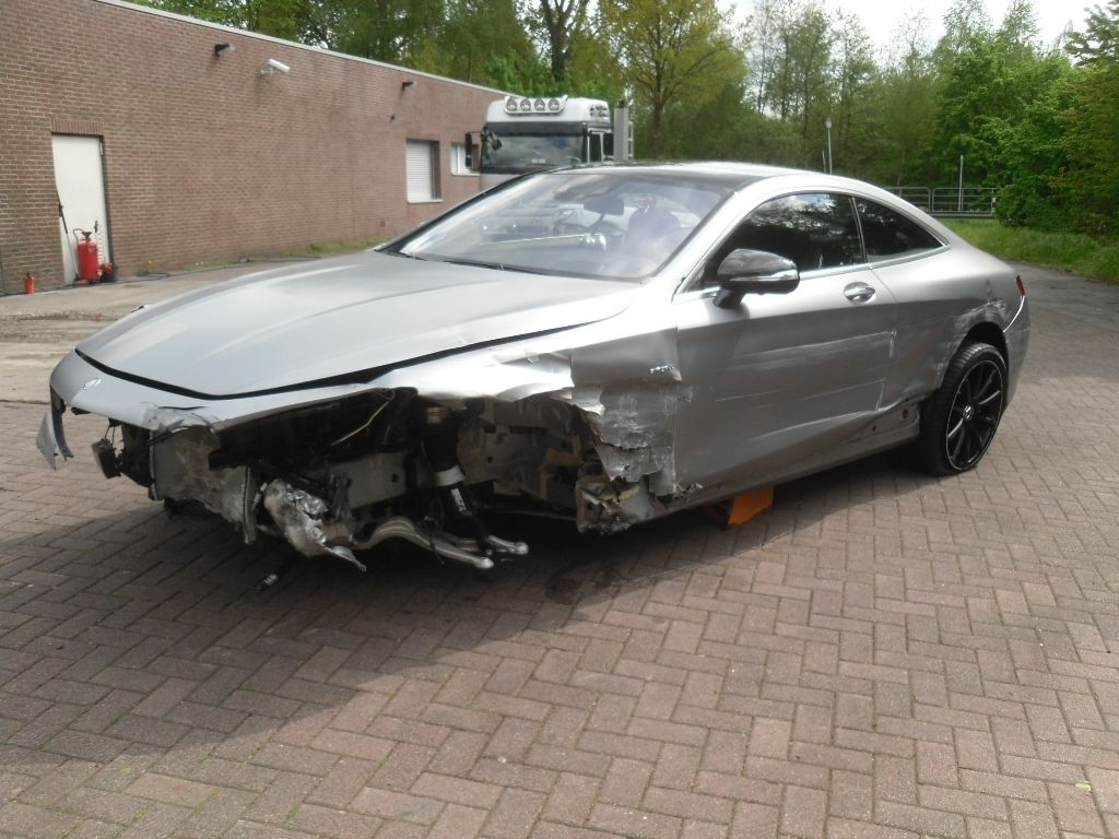 Totaled Mercedes S63 Amg Coupe Still Costs 90 000 Autoevolution