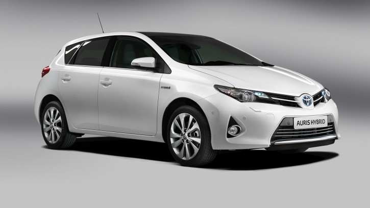"Toyota Auris Hybrid Is ""a City Champ"" According to IOL Motoring"