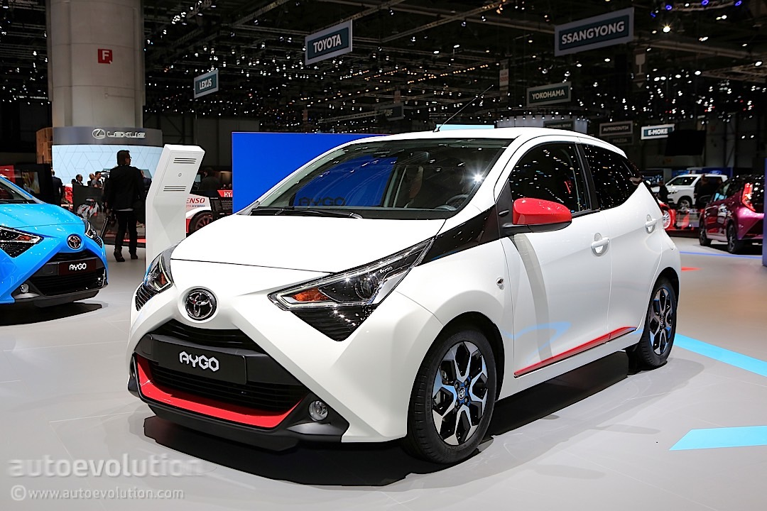2018 toyota aygo facelift looks like it didn 39 t catch enough sleep in geneva autoevolution. Black Bedroom Furniture Sets. Home Design Ideas