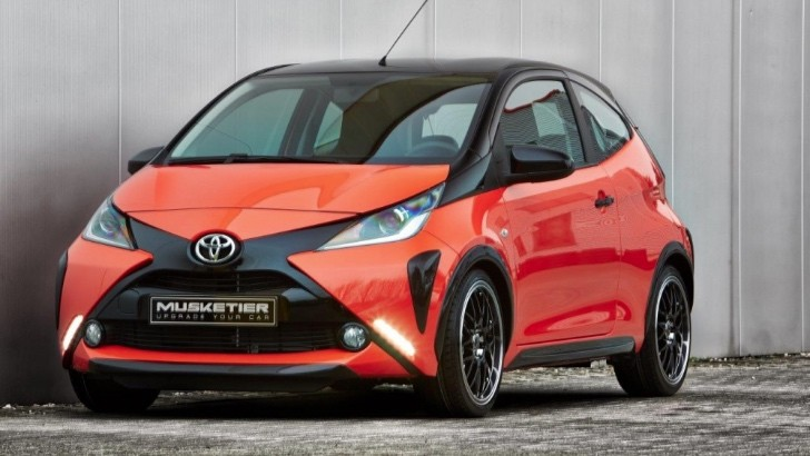toyota aygo receives quad exhaust looks ready to kick some ass autoevolution. Black Bedroom Furniture Sets. Home Design Ideas