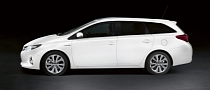Toyota Debuts Auris Estate at Paris Motor Show