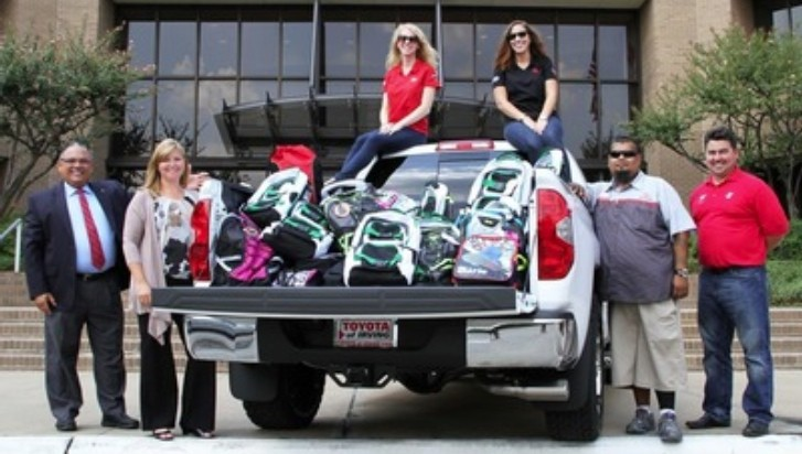 Toyota Donates Supplies to Irving Independent School District