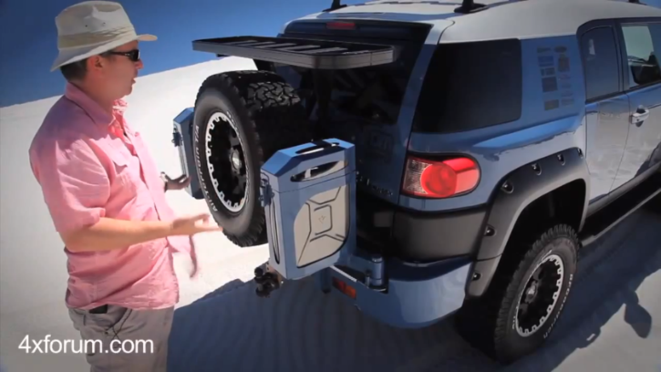 Toyota FJ Cruiser Tested In the Desert by 4xforum [Video]