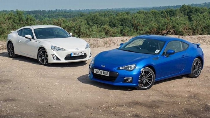 Toyota GT 86 Put Against Subaru BRZ by Piston Heads