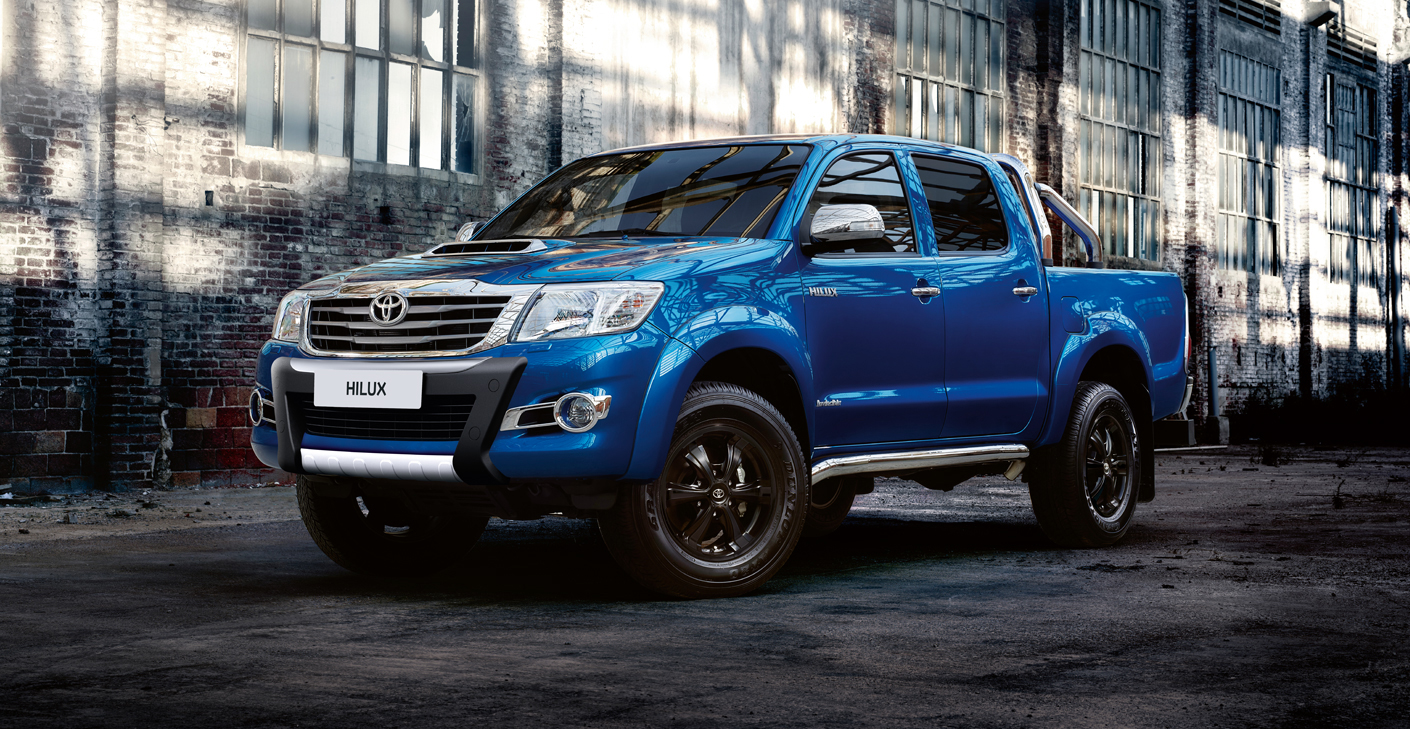 toyota hilux invincible x promises to grab winter by the throat autoevolution. Black Bedroom Furniture Sets. Home Design Ideas