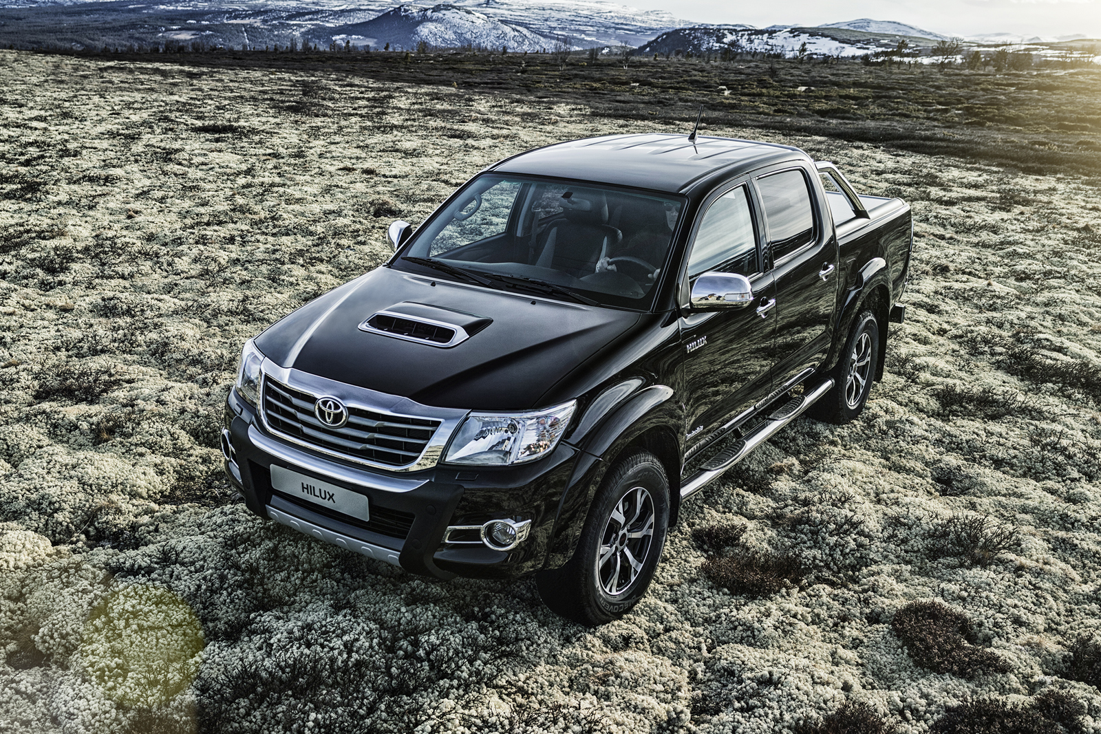 toyota hilux invincible x sets foot in continental europe no sign of the 2016 hilux yet. Black Bedroom Furniture Sets. Home Design Ideas