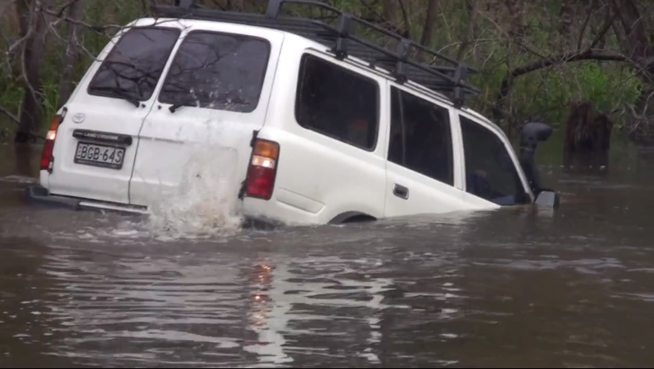 Toyota Land Cruiser Crossing Big River [Video]