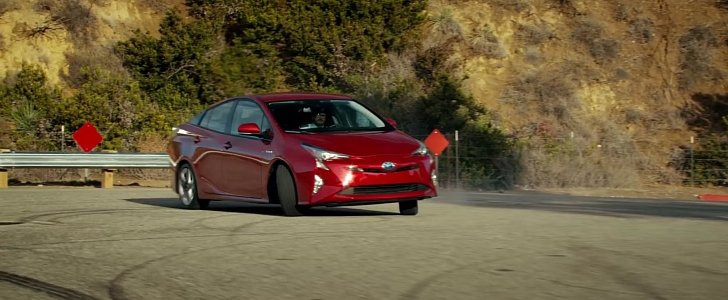 toyota prius drifts in 2016 super bowl commercial. Black Bedroom Furniture Sets. Home Design Ideas