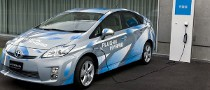 Toyota Prius Plug-In Hybrid to Be Ordered Online