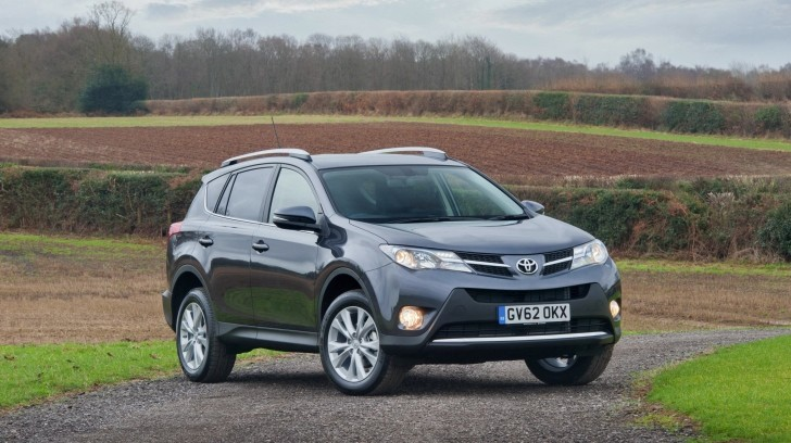 toyota rav4 uk price and specs revealed autoevolution. Black Bedroom Furniture Sets. Home Design Ideas