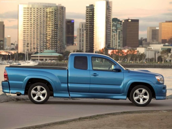 toyota tacoma x runner discontinued autoevolution. Black Bedroom Furniture Sets. Home Design Ideas