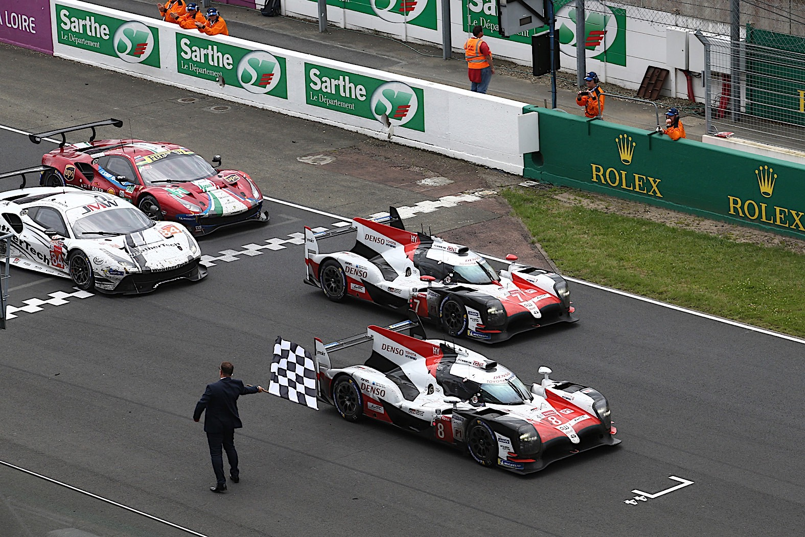 Fernando Alonso and Toyota win Le Mans 24 hour race