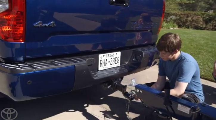 Toyota Tundra Makes Hitching a Trailer Easy [Video]