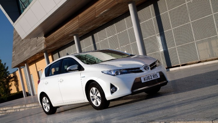 toyota uk offering zero percent finance offers for hybrids autoevolution. Black Bedroom Furniture Sets. Home Design Ideas