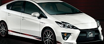 Toyota Unveils Sporty Prius G's in Japan
