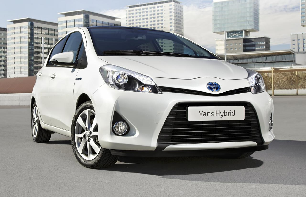 toyota yaris hybrid presented autoevolution. Black Bedroom Furniture Sets. Home Design Ideas