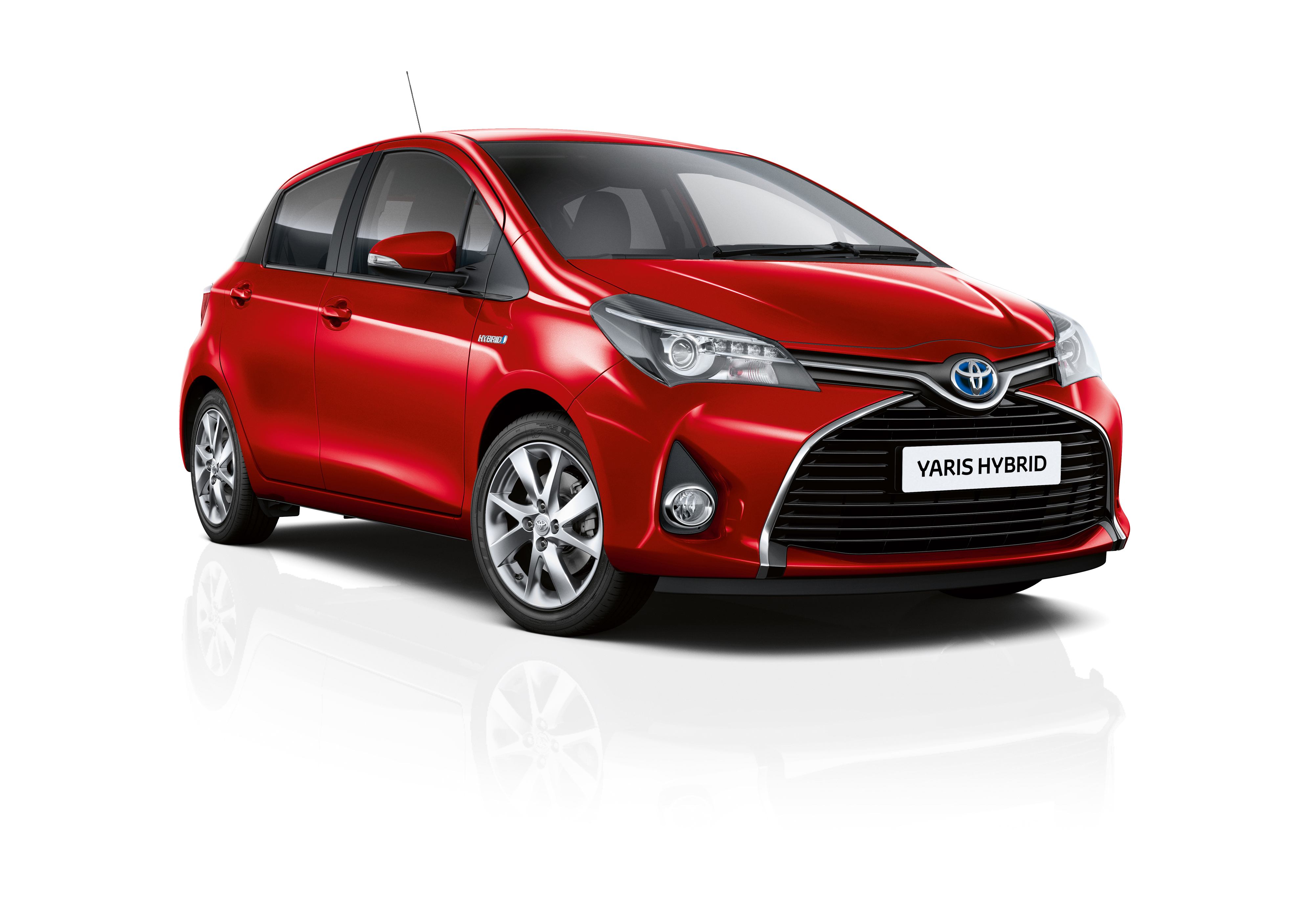 toyota yaris hybrid adds new entry level active trim in. Black Bedroom Furniture Sets. Home Design Ideas