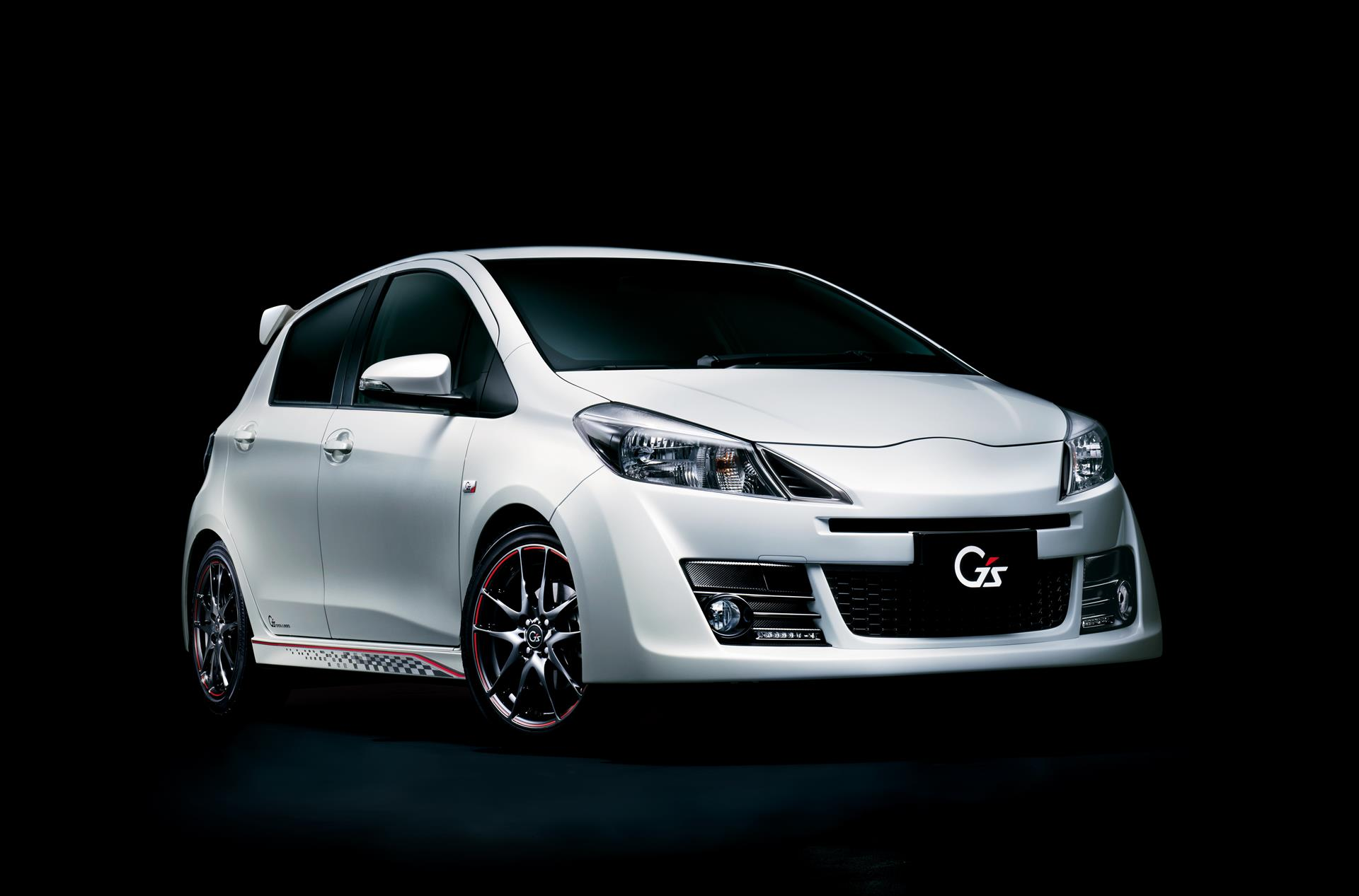 Toyota Most Expensive Car >> Toyota Yaris (Vitz) Gets Aygo-Style Facelift - autoevolution