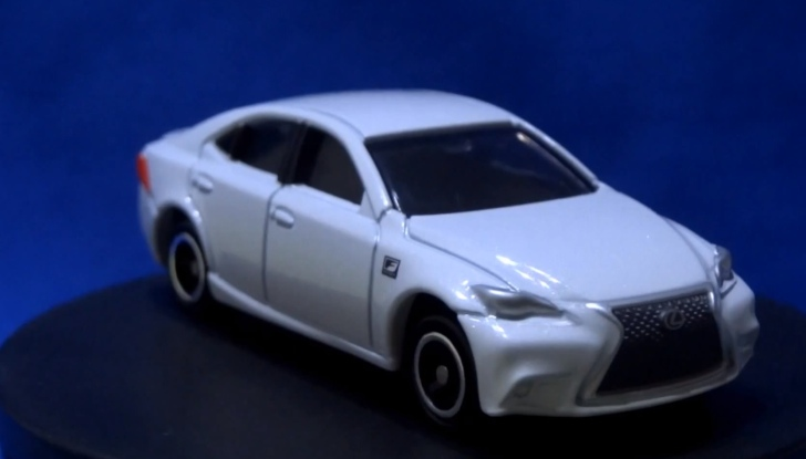 Toys You Won T Get At Your Local Store Tomica Lexus Is