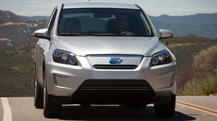 Toyota to Only Sell 2,600 RAV4 EVs