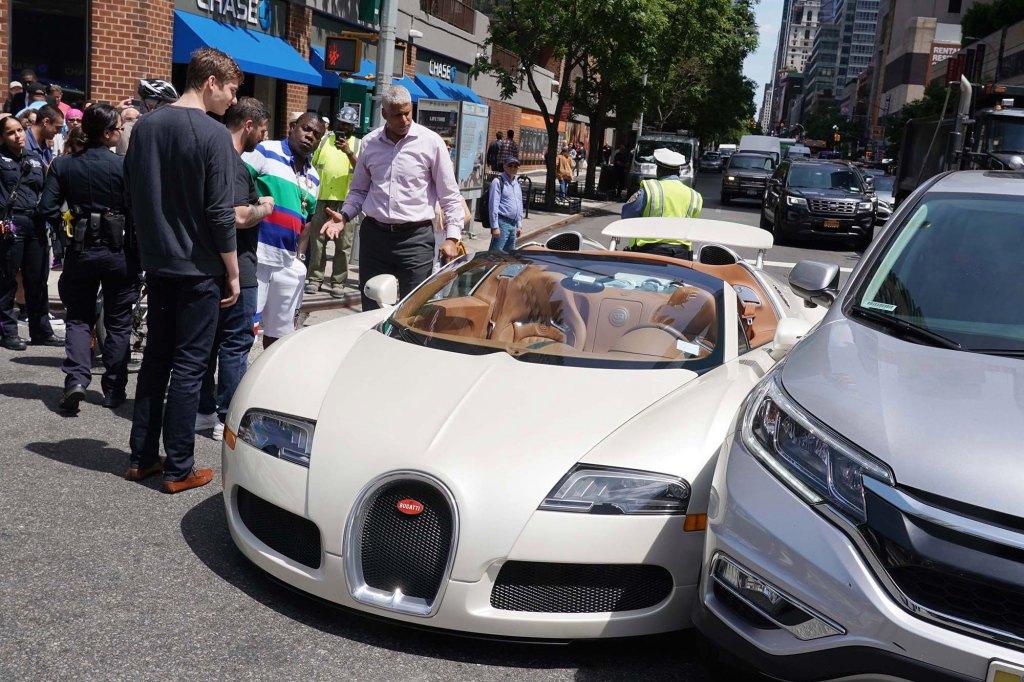 Tracy Morgan Picks Up 2012 Bugatti Veyron Is Sideswept By