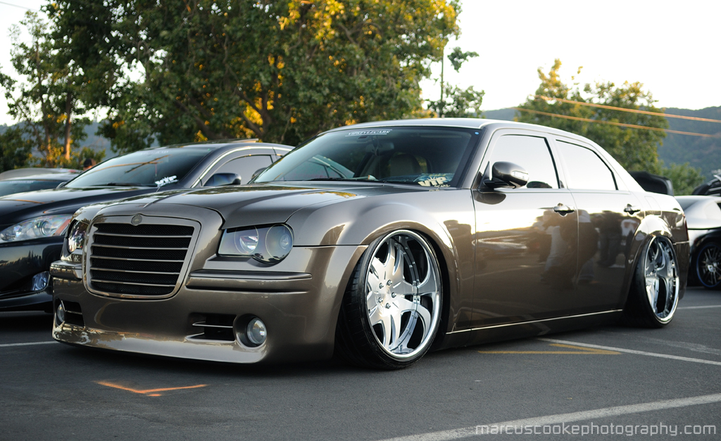 tricked out chrysler 300c is awesome autoevolution