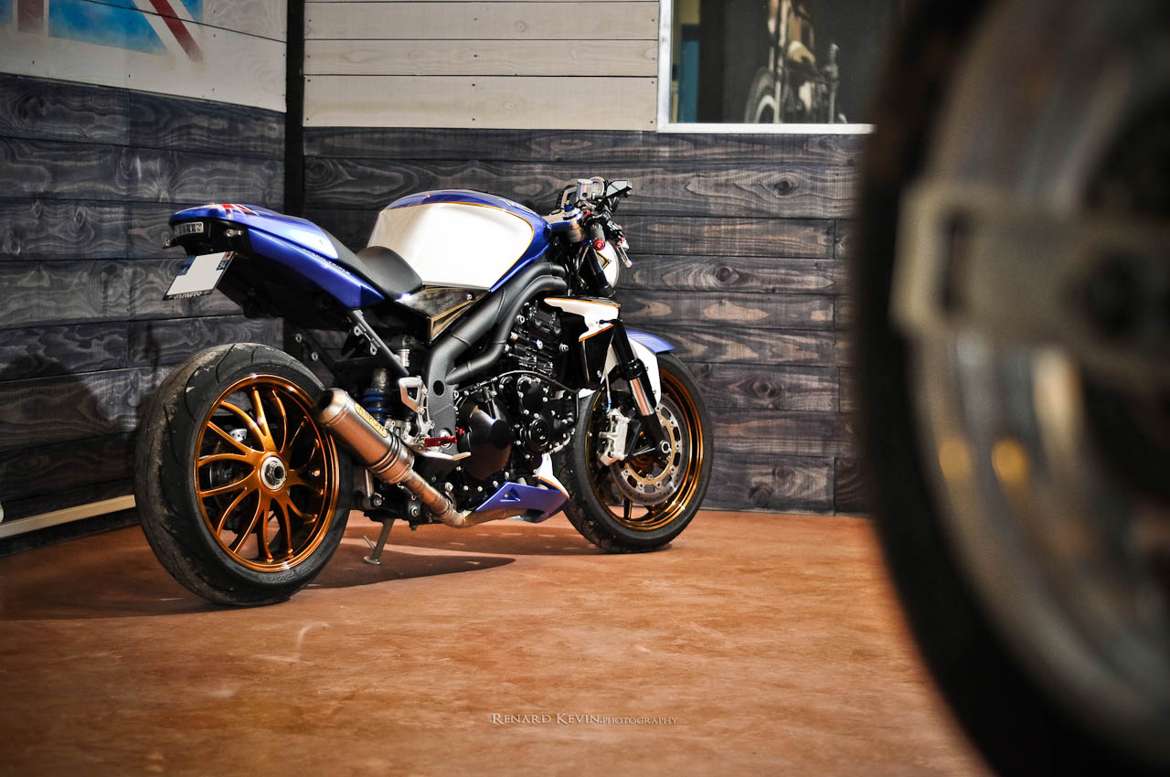 Triumph Speed Triple 1050 by FCR - autoevolution