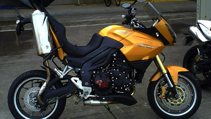 Triumph Tiger 1050 Wheelie Breaks Frame
