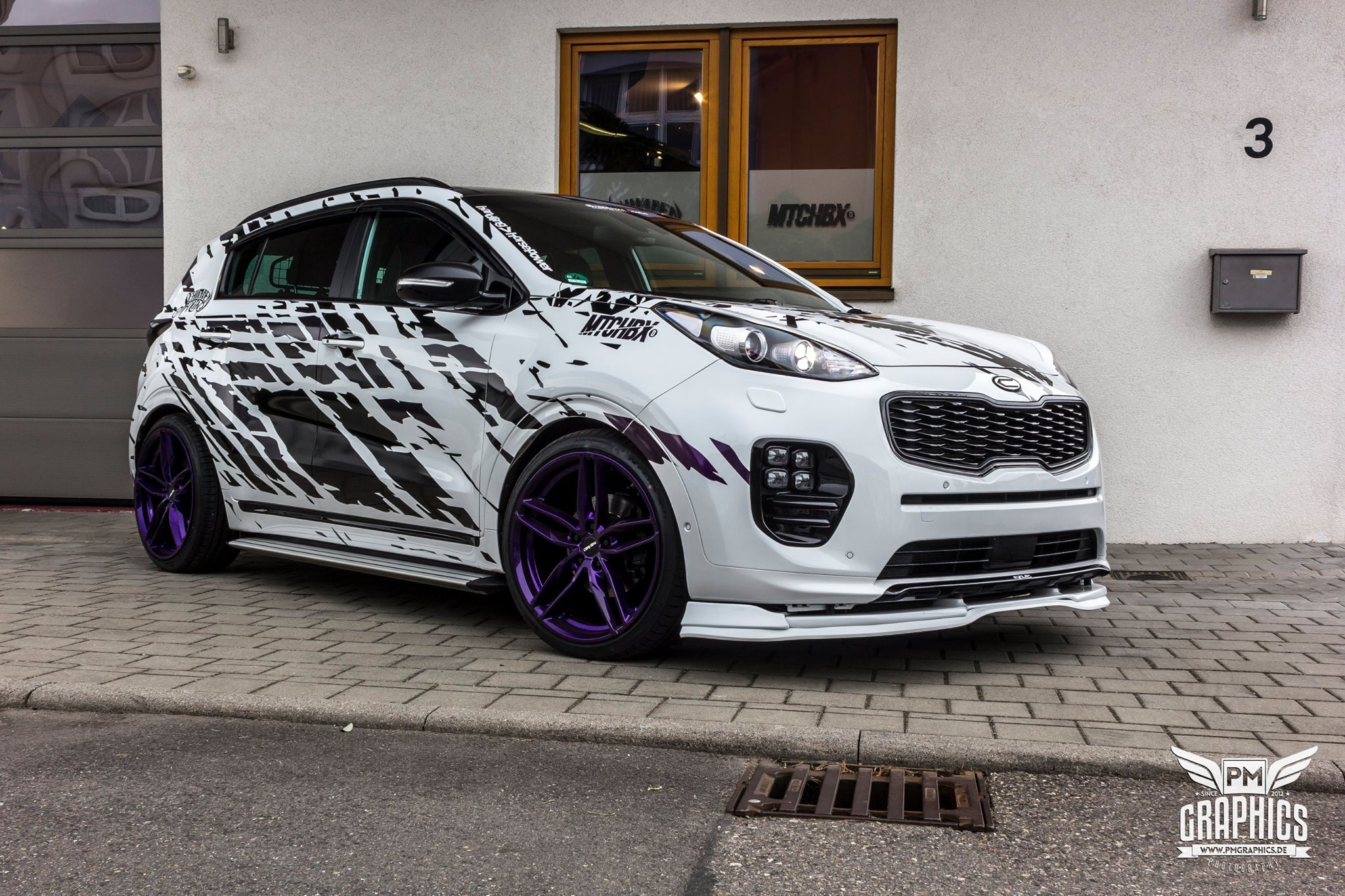 tuned kia sportage rides low has skirts and spoilers autoevolution. Black Bedroom Furniture Sets. Home Design Ideas