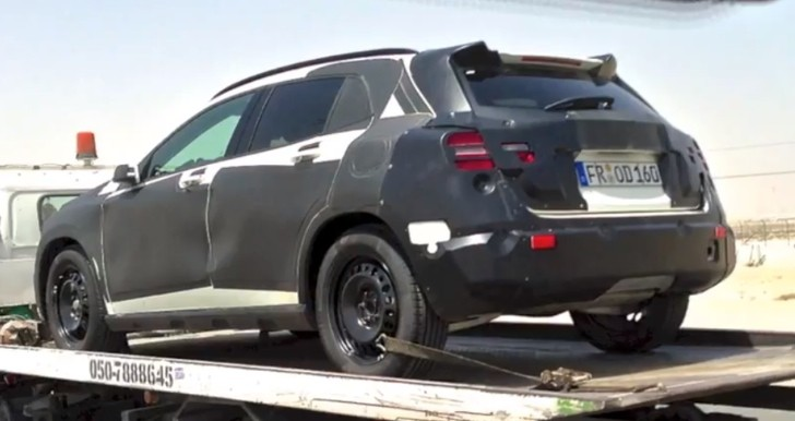 Two Mercedes GLA Prototypes in Dubai [Video]