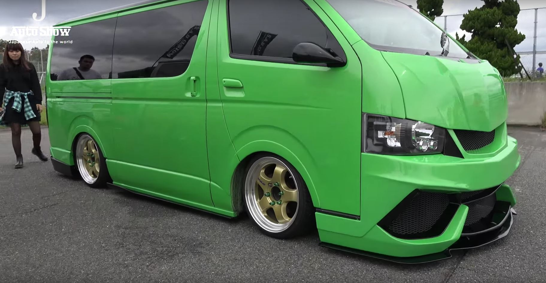Two Toyota Hiace Vans Get Lamborghini Bumpers and Paint ...