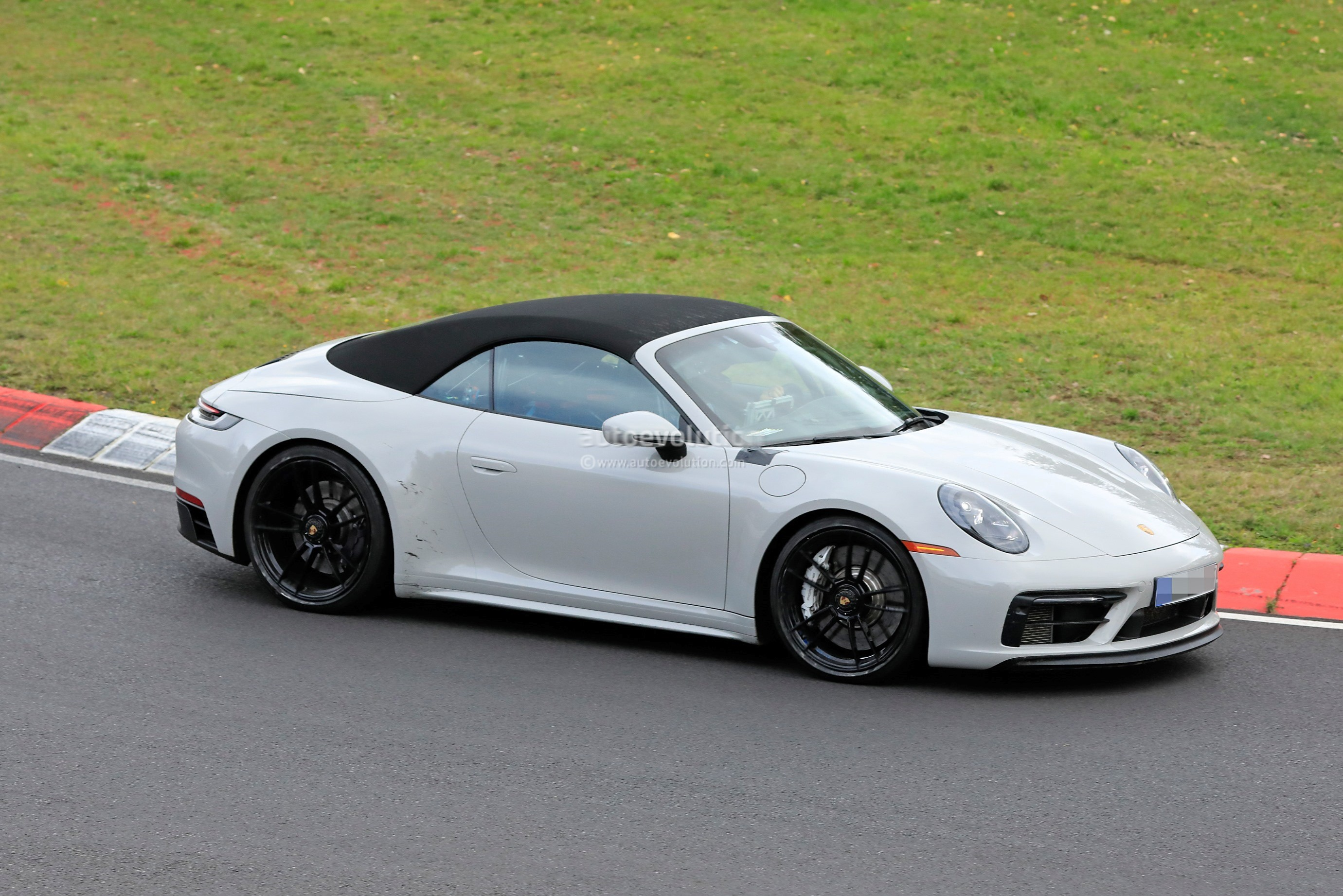 Uncamouflaged 992 Porsche 911 Gts Cabriolet Spied Lapping The Nurburgring Autoevolution
