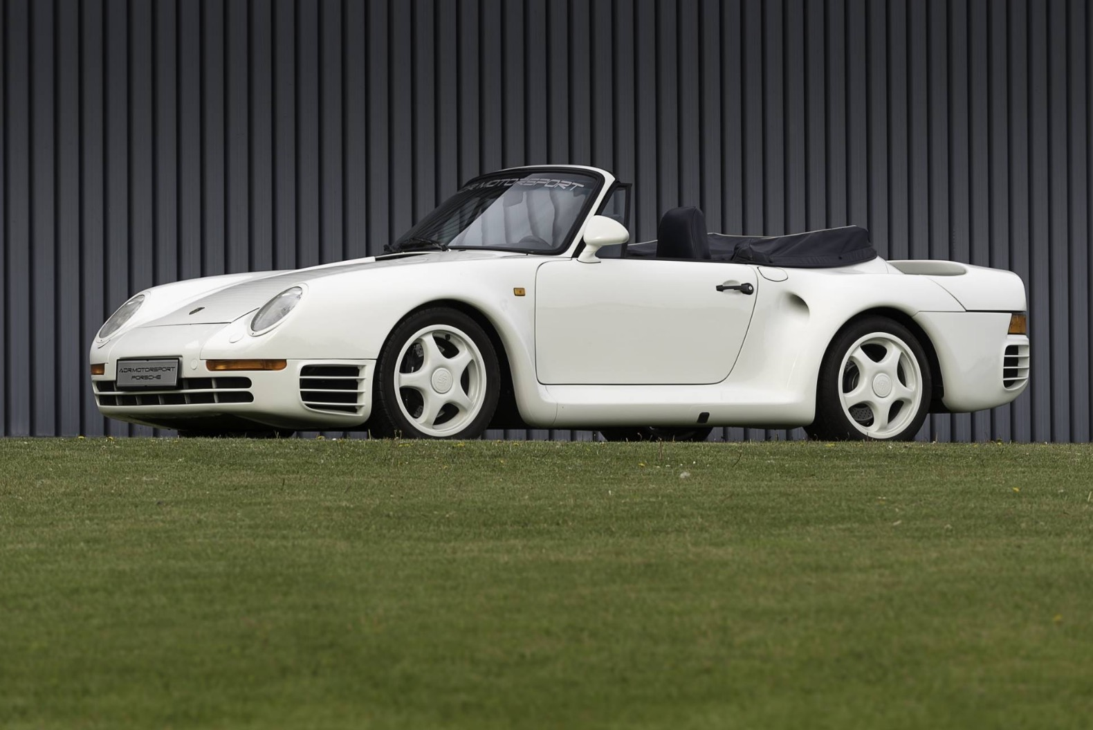 Unique Porsche 959 Cabriolet Is Looking For a New Owner