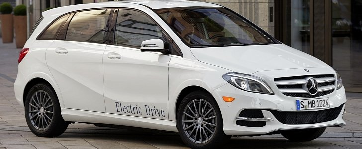 Mercedes benz pulls the plug on b class electric drive for Spell mercedes benz