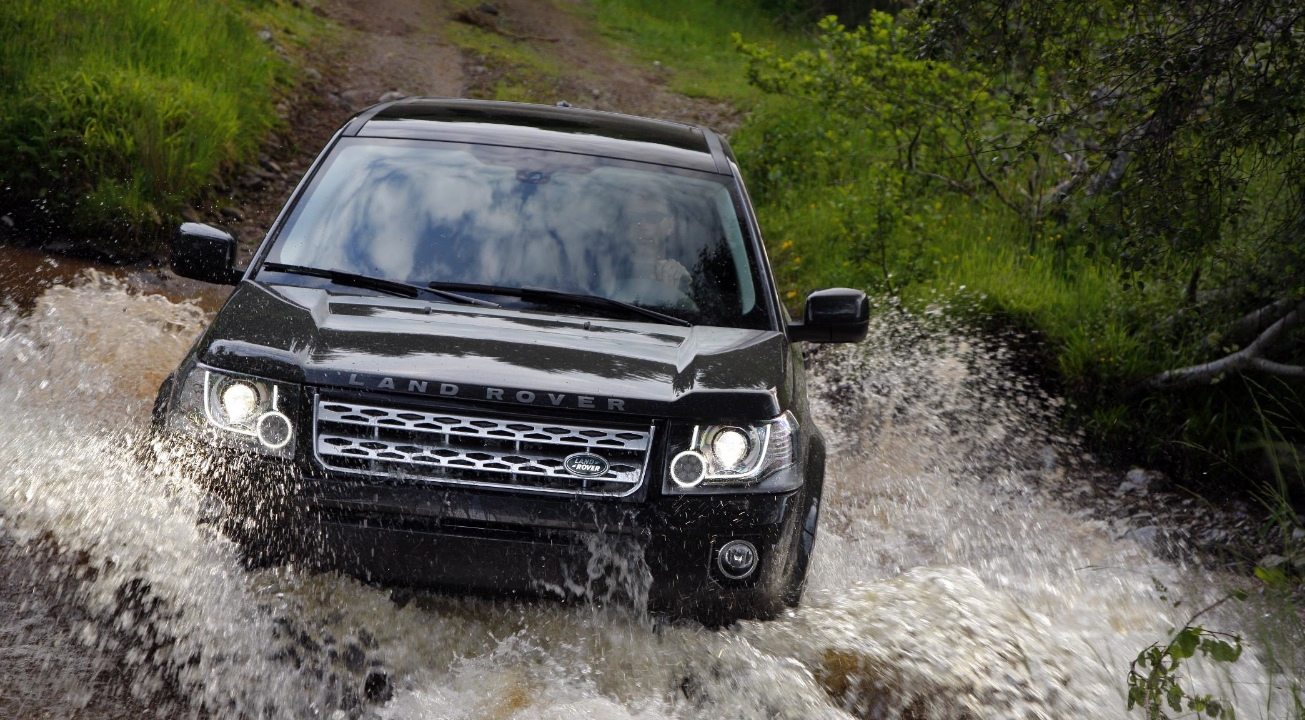 updated land rover freelander gets pushed upmarket autoevolution. Black Bedroom Furniture Sets. Home Design Ideas