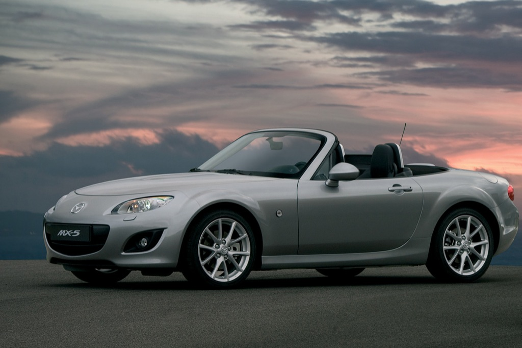 toyota haria upgraded mazda mx 5 roadster launched in. Black Bedroom Furniture Sets. Home Design Ideas